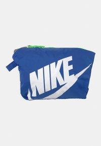 Nike Sportswear - PACKABLE WIND  - Training jacket - lime glow - 3