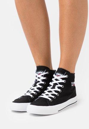 MIDCUT - Sneakers alte - black