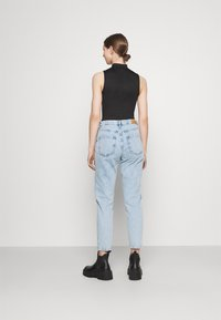 Gina Tricot - DAGNY HIGHWAIST - Relaxed fit jeans - sky blue destroy - 2