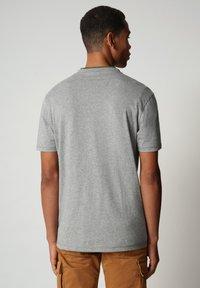 Napapijri - SIROL - Print T-shirt - medium grey melange - 1