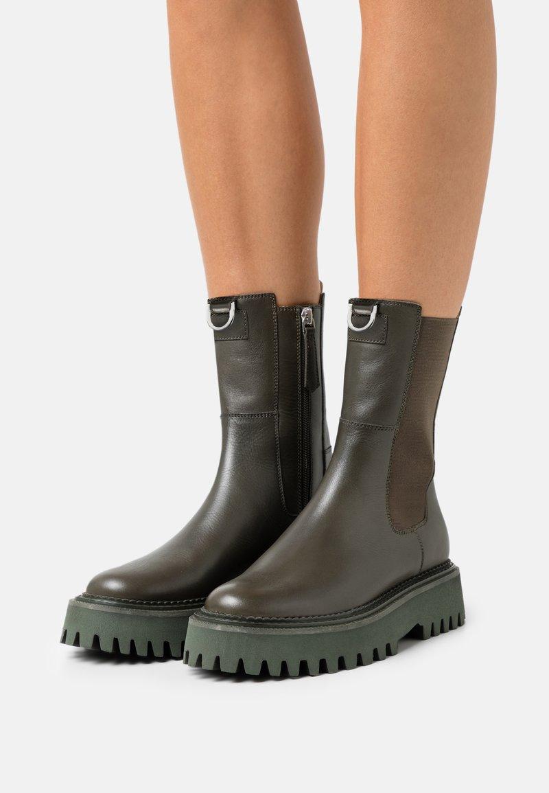 Zign - LEATHER - Platform ankle boots - khaki
