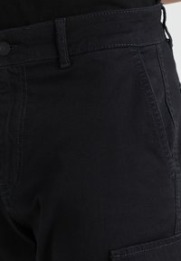 Pier One - Pantalon cargo - black - 3