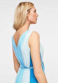 comma - MIT FARBVERLAUF - Maxi dress - turquoise - 4