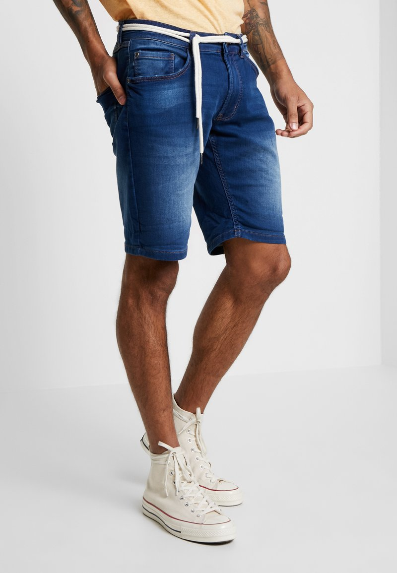 Redefined Rebel - SYDNEY TERRY - Denim shorts - rotos blue