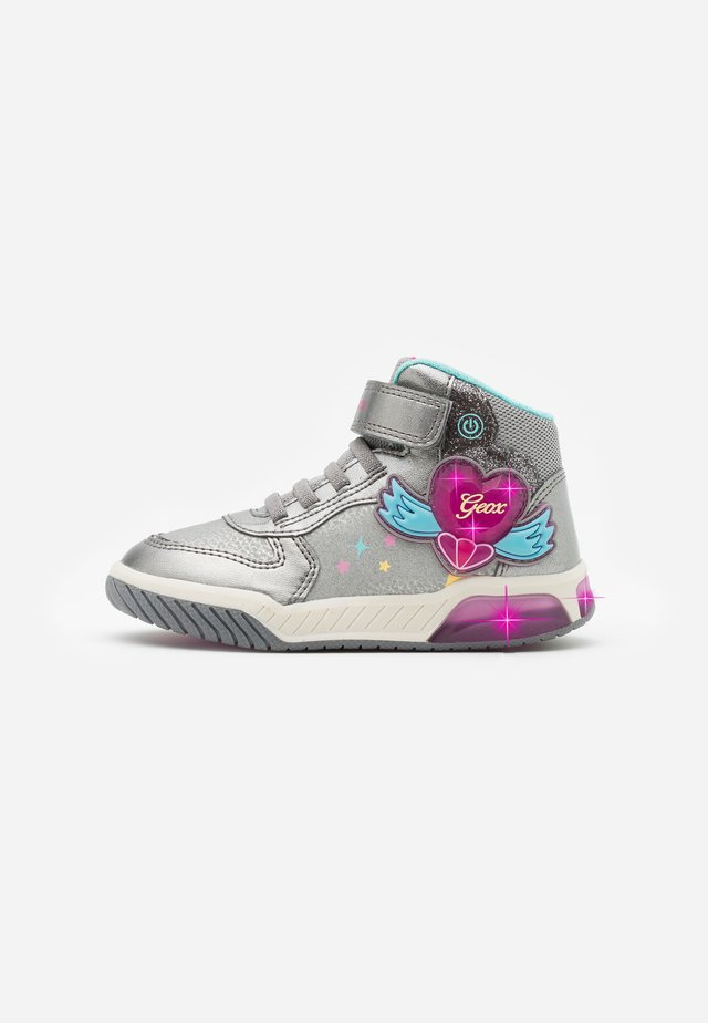 INEK GIRL - Sneakersy wysokie - dark silver/fuchsia