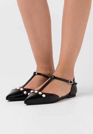 Ankle strap ballet pumps - shade