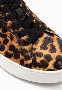 MICHAEL Michael Kors - MINDY LACE UP - Sneaker low - butterscotch - 2