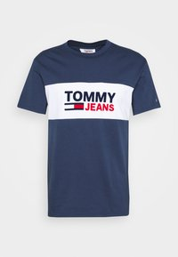 Tommy Jeans - PIECED BAND LOGO TEE - Print T-shirt - twilight navy - 4