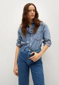 Mango - GABRIELA - Flared Jeans - donkerblauw - 3