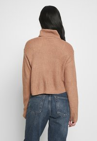 Missguided - ROLL NECK CROP JUMPER - Jumper - dusty camel - 2