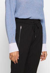 comma casual identity - Tracksuit bottoms - black - 4