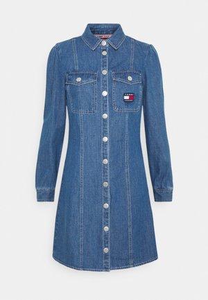 CHAMBRAY SHIRT DRESS - Denim dress - mid indigo
