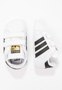adidas Originals - SUPERSTAR  - Chaussons pour bébé - white/core black - 1