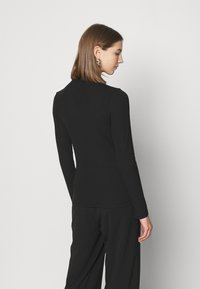 Tommy Jeans - MOCK NECK LONGSLEEVE - Long sleeved top - black - 2