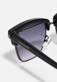 Alexander McQueen - UNISEX - Sunglasses - black - 3