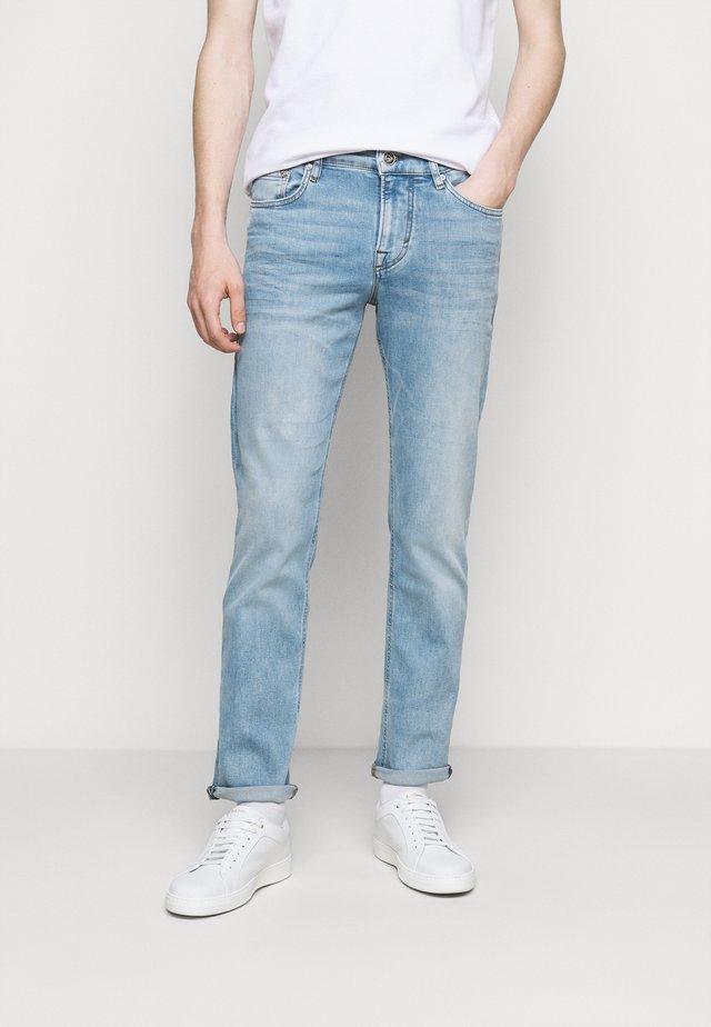 MITCH - Jeans slim fit - bright blue