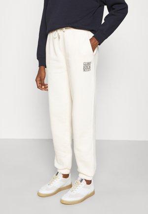 WOMEN´S PANTS - Teplákové kalhoty - vanilla sherbet