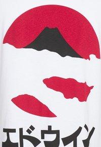Edwin - KAMIFUJI UNISEX - Print T-shirt - white - 5