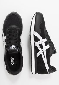 ASICS SportStyle - TIGER RUNNER UNISEX - Trainers - black/white - 1
