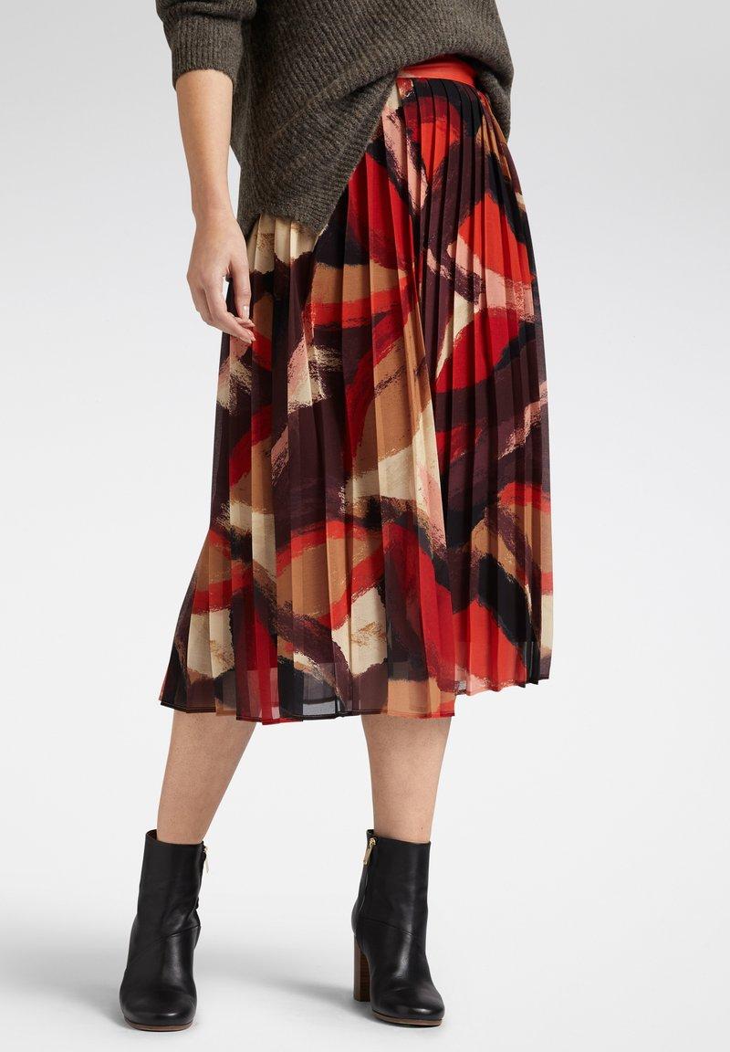 Sandwich - A-line skirt - bordeaux