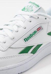 Reebok Classic - CLUB C REVENGE MU - Sneakers - white/glen green - 5