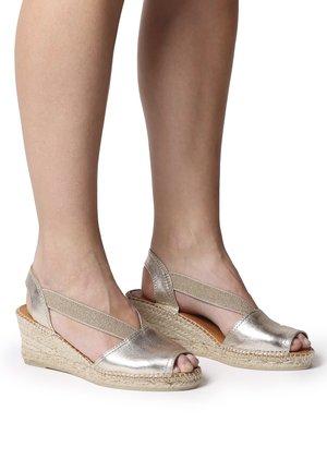 TEIDE - Wedge sandals - platinum