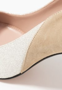 HUGO - High heels - gold - 2
