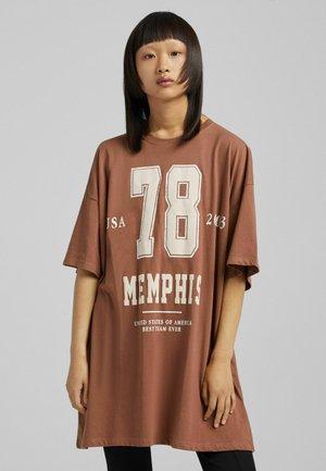 OVERSIZED - Print T-shirt - brown