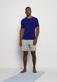 Nike Performance - DRY YOGA - T-shirt basic - deep royal blue/black - 1
