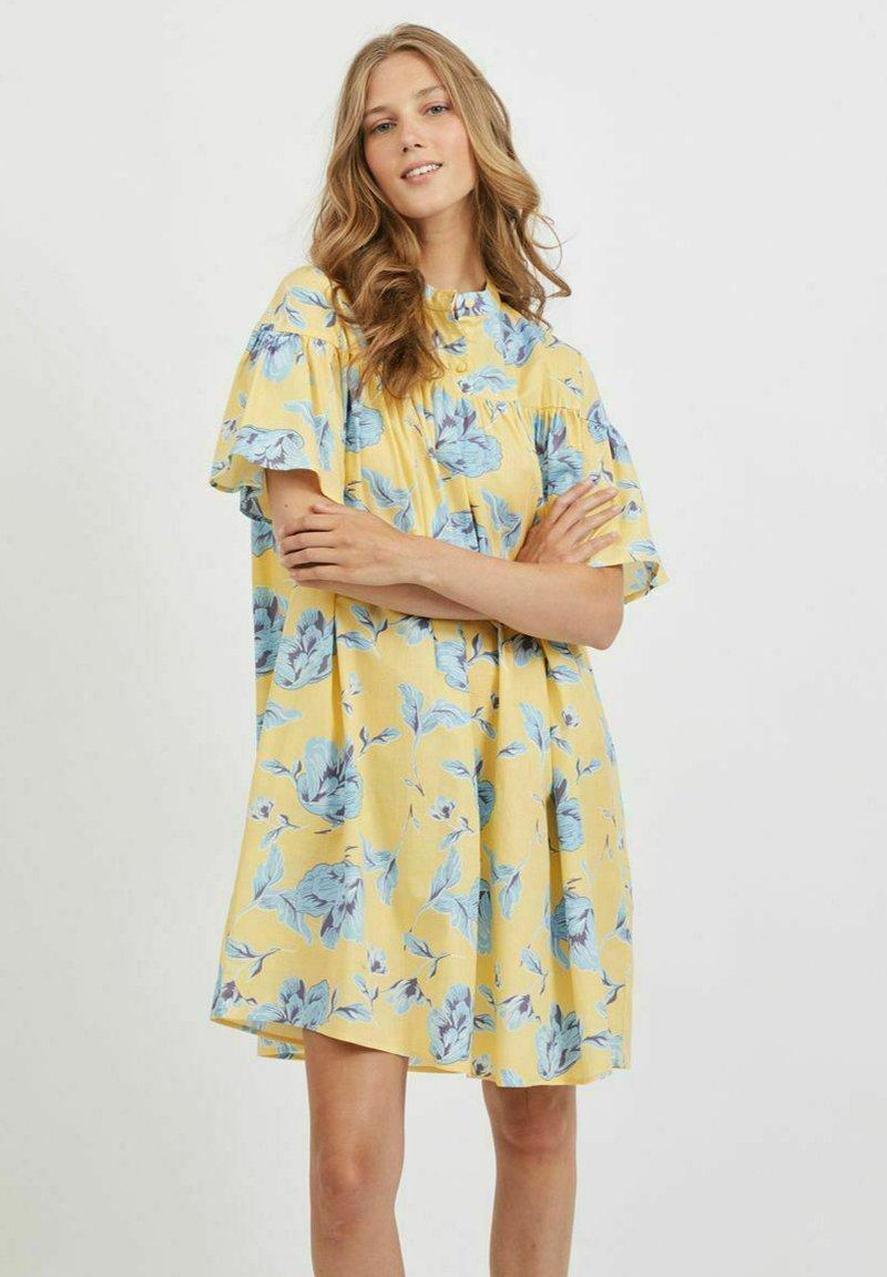 Vila - OVERSIZE - Skjortklänning - pineapple slice