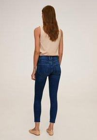 Mango - SKINNY JEANS IN 7/8-LÄNGE ISA - Jeans Skinny Fit - dunkelblau - 6