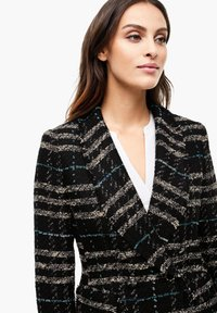 s.Oliver BLACK LABEL - MET FRANJES - Blazer - black check - 4