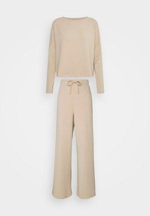 Pyjama set - sand