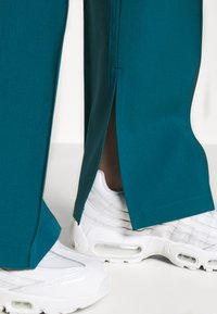 4th & Reckless - TROUSER - Trousers - teal - 5