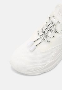 Madden Girl - THRIVE - Sneakers laag - white - 7
