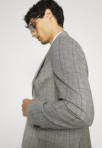 Calvin Klein Tailored - PRINCE OF WALES SUIT - Suit - grey - 7