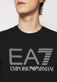 EA7 Emporio Armani - Maglietta a manica lunga - black - 4