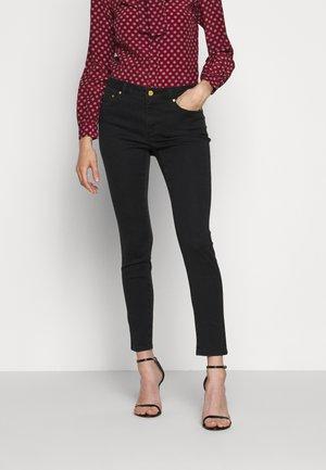SELMA SKINNY - Jeans Skinny Fit - black