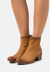 MJUS - DALLAS DALLY - Classic ankle boots - sella - 0