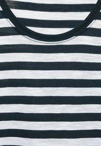 Street One - IM STREIFEN - Print T-shirt - grün - 1