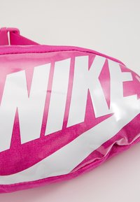 Nike Sportswear - HERITAGE - Bum bag - fire pink/white - 6