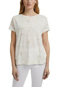 Esprit - Print T-shirt - off white - 5