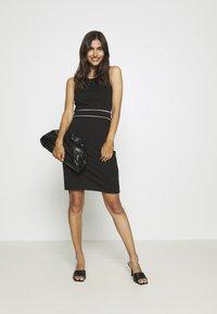 Anna Field - Pouzdrové šaty - black/white - 1