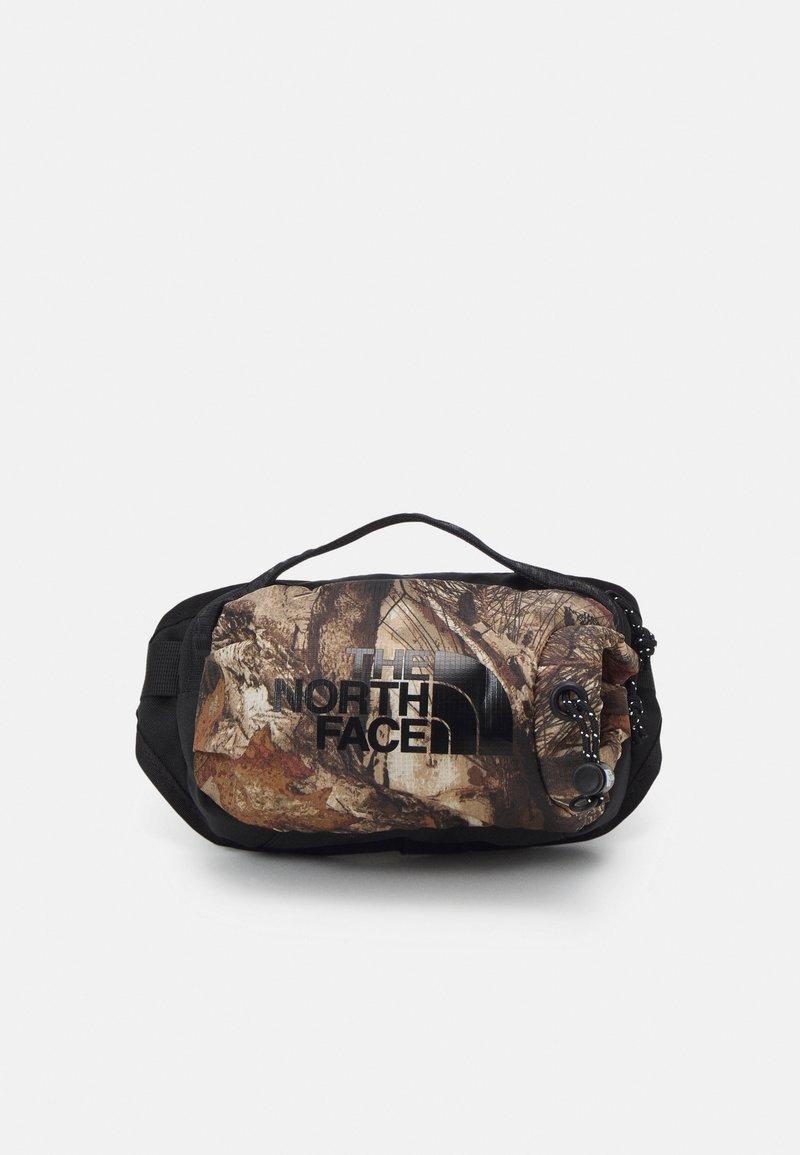 The North Face - BOZER HIP PACK UNISEX - Rumpetaske - tan/black