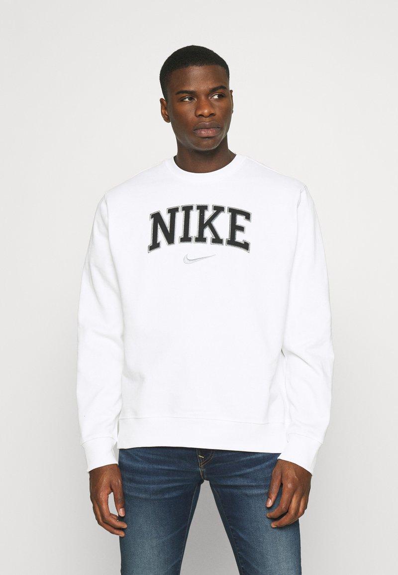 Nike Sportswear - RETRO CREW - Sweatshirt - white