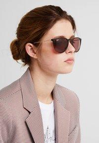 Ray-Ban - 0RB4171 ERIKA - Sunglasses - light brown - 1