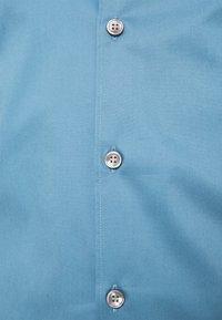 Tiger of Sweden - FILBRODIE - Formal shirt - light indigo - 2