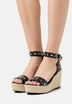 Sandály na platformě - noir
