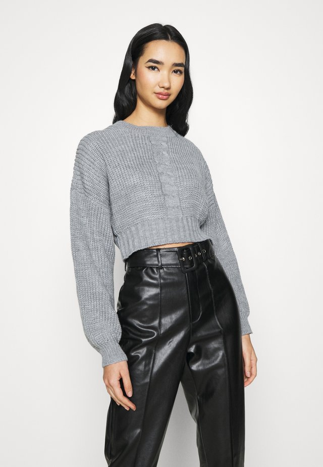 CROPPED CABLE - Trui - grey