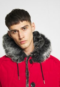 Glorious Gangsta - NAVIER - Giacca invernale - red - 4